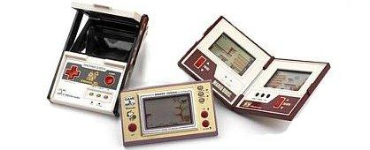 Console game and watch